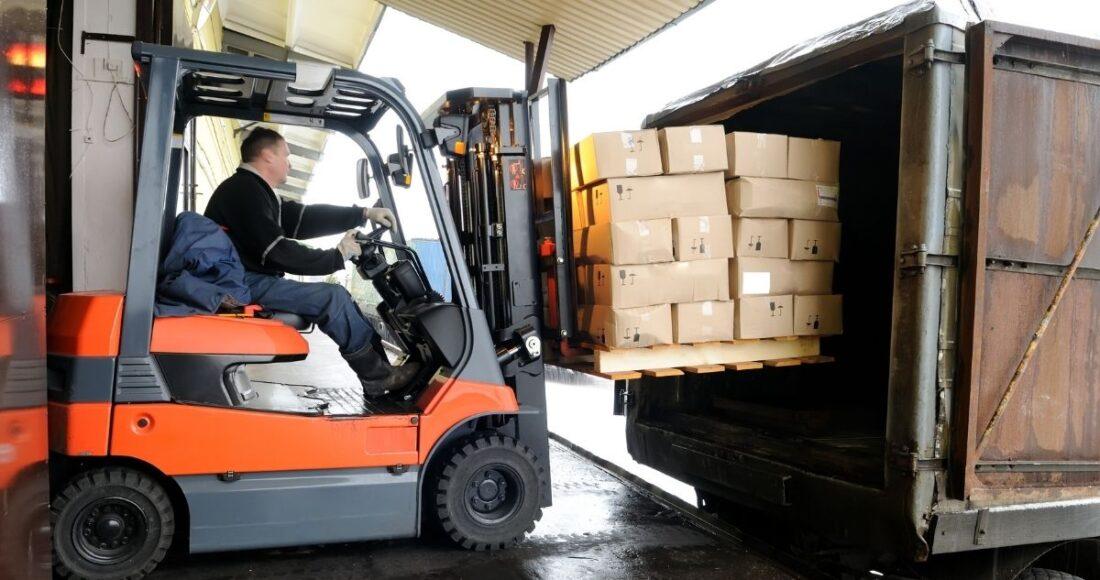 Tips for Preparing Heavy Equipment for Shipping