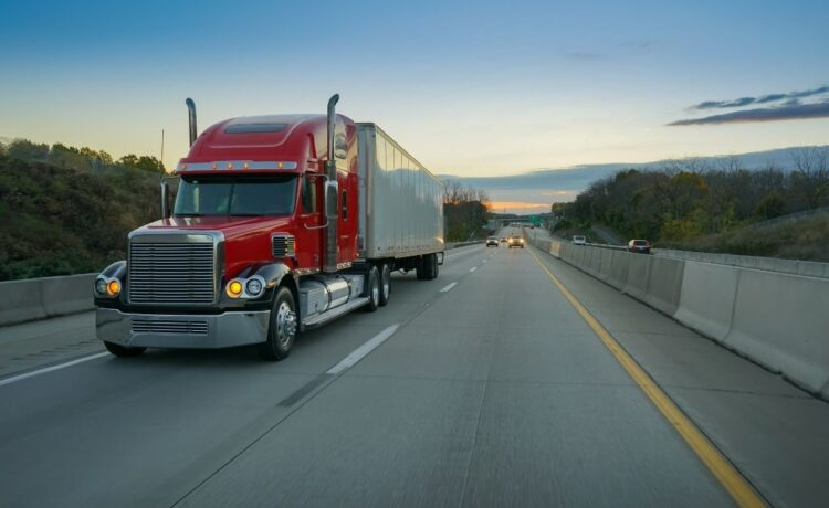 Signs That Your Semi-Truck Needs Service